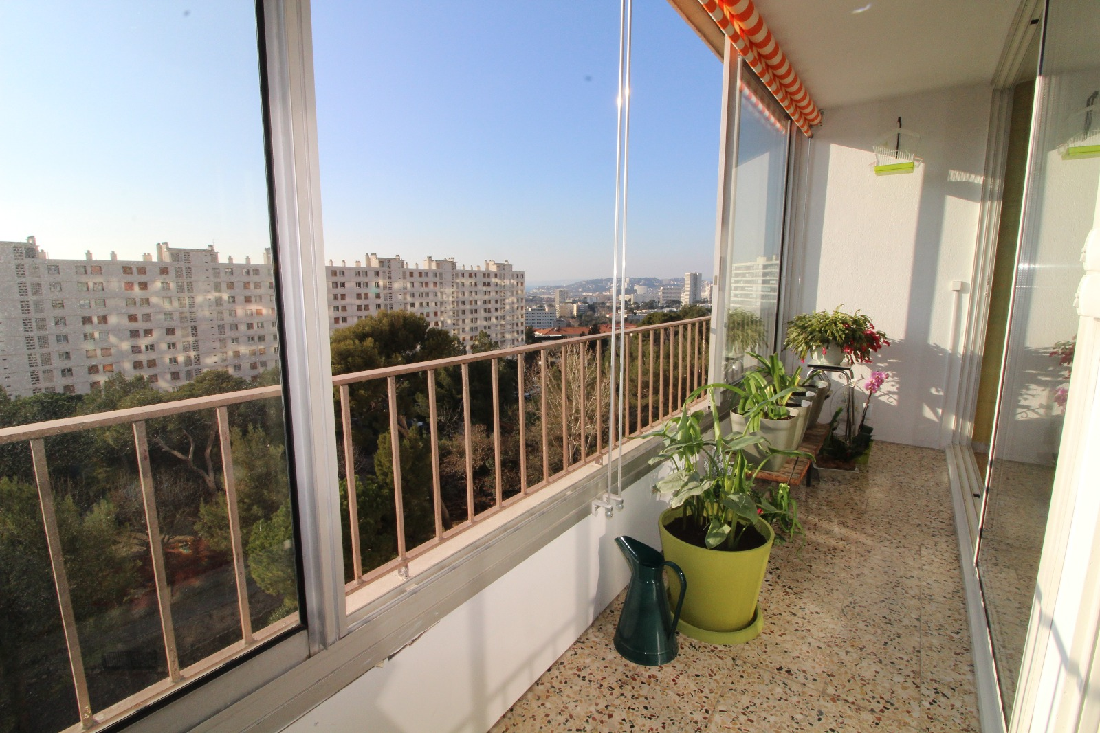 vente valmante type de 56m lc avec balcon ferme. Black Bedroom Furniture Sets. Home Design Ideas